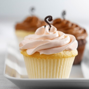 signature buttercream cupcakes
